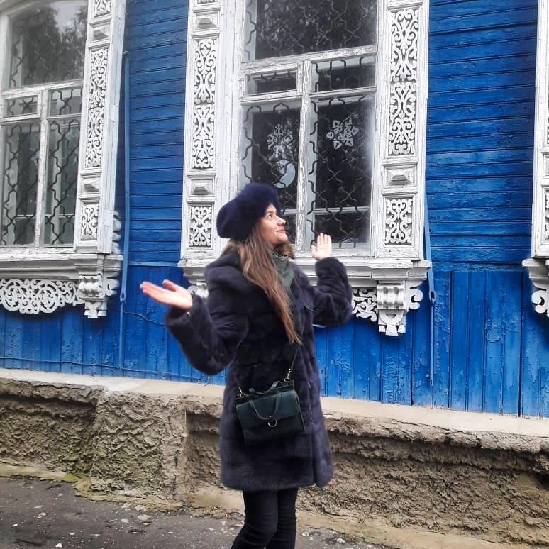 Жителей Злынки призывают спасти уникальную кружевную резьбу фасадов