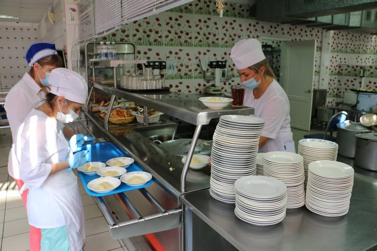 Мониторинг в Брянской области не выявил существенных проблем с горячим питанием школьников